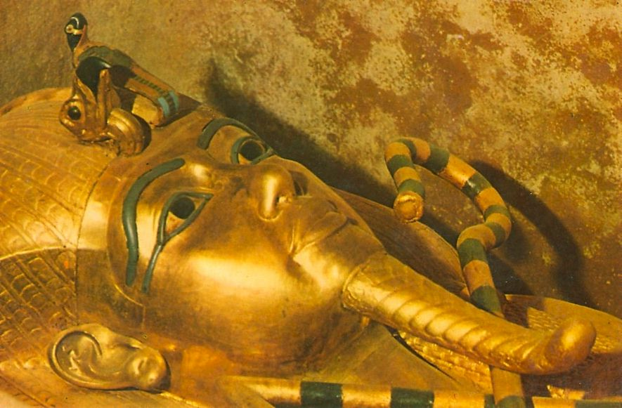 Discover LavenderKing Tuts Tomb Inside